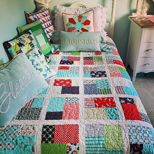 Double Slice Layer Cake Quilt by Julie Marie, The Tutorial designed by Jenny Doan of Missouri Quilt Co