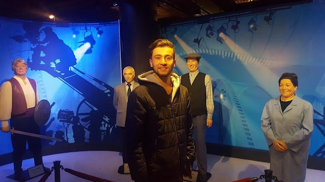 Harun İstenci Eskişehir'de Yılmaz Büyükerşen Balmumu Müzesi turunda.