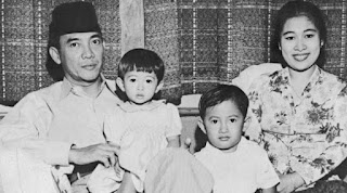 Kebersamaan Soekarno dengan Istrinya Fatmawati
