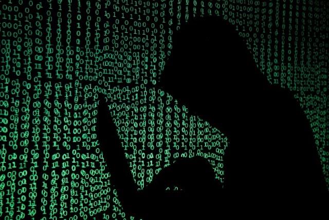 Hackers divulgam supostos dados pessoais de Bolsonaro, filhos e aliados