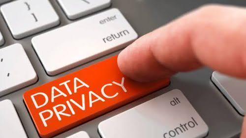 ICT Watch Imbau Warga Waspada Umbar Data Pribadi Lewat Medsos