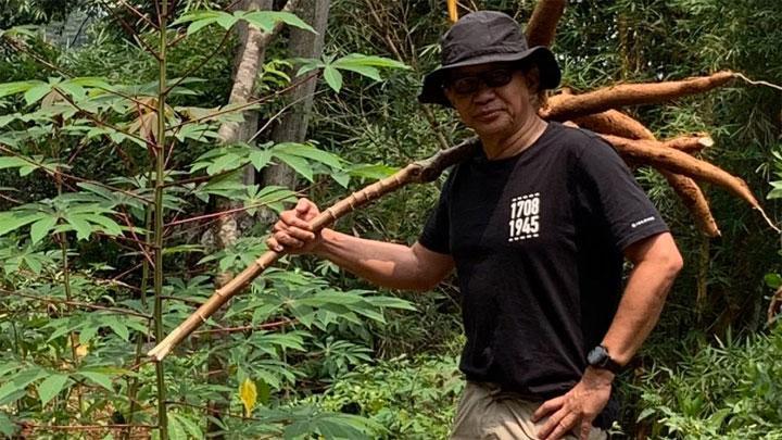 Depan UAS, Rocky Sarankan Jokowi 'Blusukan' ke Grup WA Emak-emak