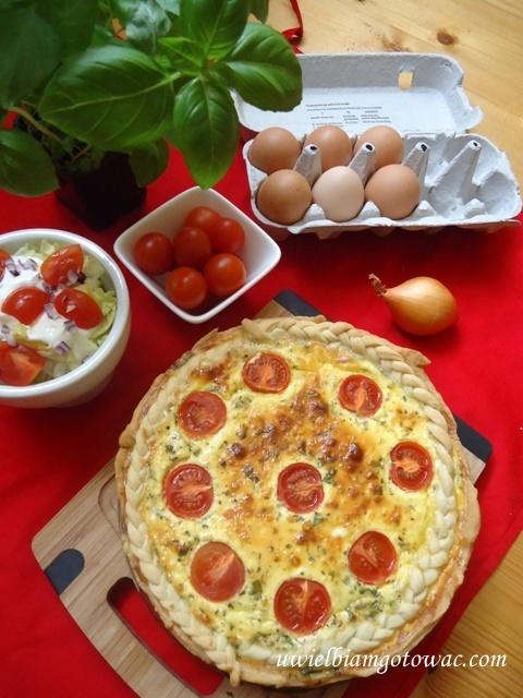 Tarta z jajkami i boczkiem
