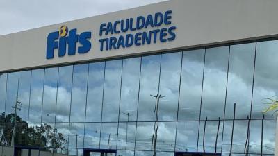 Prefeito Eduardo Honório visita nova faculdade de medicina