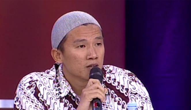 Belah Bambu Umat Islam, Satu Dipuji Yang Lain Dihabisi