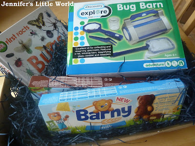 Bug hunting kit with Barny