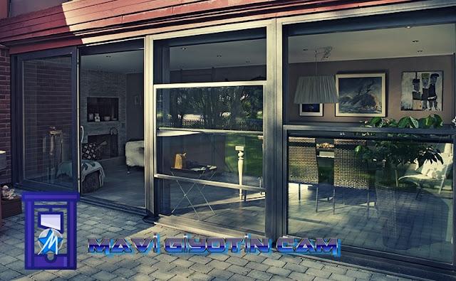 https://cafecamsistemleri.blogspot.com/2019/11/mavi-giyotin-cam-giyotin-cam-sistemleri.html