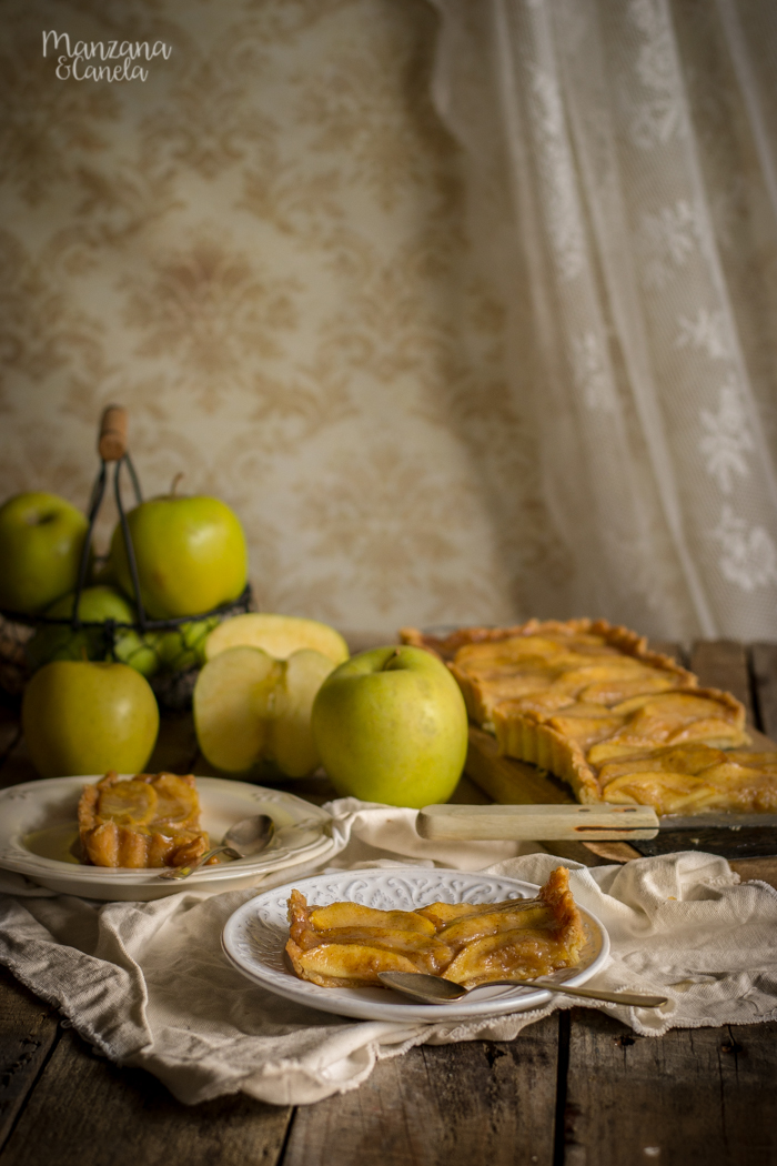 Tarta de manzana con caramelo salado