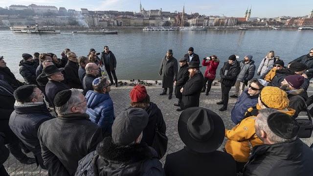 A holokauszt áldozataira emlékeztek Budapesten – fotók