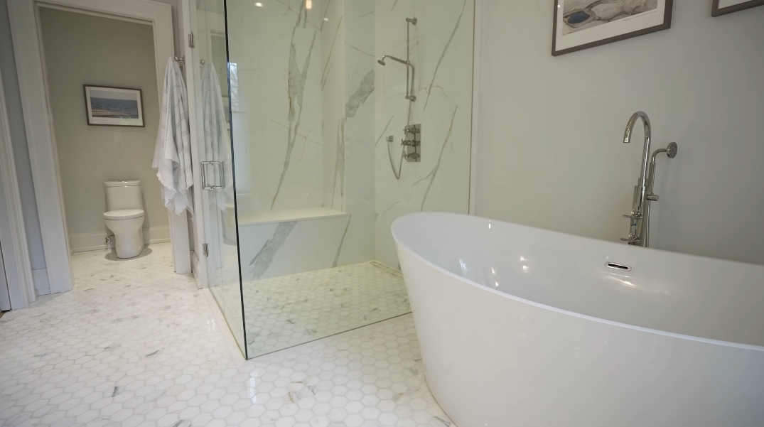 51 Photos vs. Tour 78 Hollyrood Heights Dr, Mississauga, ON Luxury Home Interior Design
