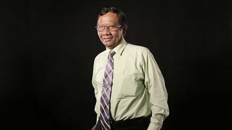Ditanya Soal Jiwasraya, Mahfud MD Hanya Berlalu