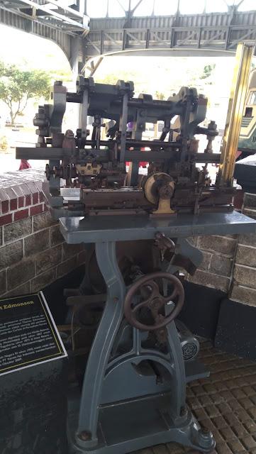Mesin pencetak tiket penumpang kereta api