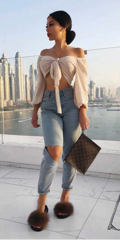Capture everyone's attention with these latest summer looks. 27 Trending Summer Outfits by Stylish Instagram Influencers. Summer Styles via higiggle.com | crop top + jeans | #summeroutfits #instagram #style #jeans