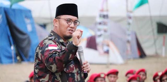 Tegur Denny Siregar, Dahnil Anzar: Kalau Mau Bantu Jokowi Mending Diam, Jangan Sok Tahu!