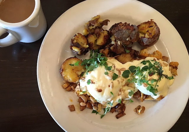 Brunch at Meriwether's Restaurant, Portland, OR | A Hoppy Medium