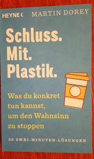 Umweltfreundlicher Print informiert über Maßnahmen gegen den Plastikwahn.