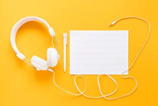 El cuidado de los oídos por uso de auriculares