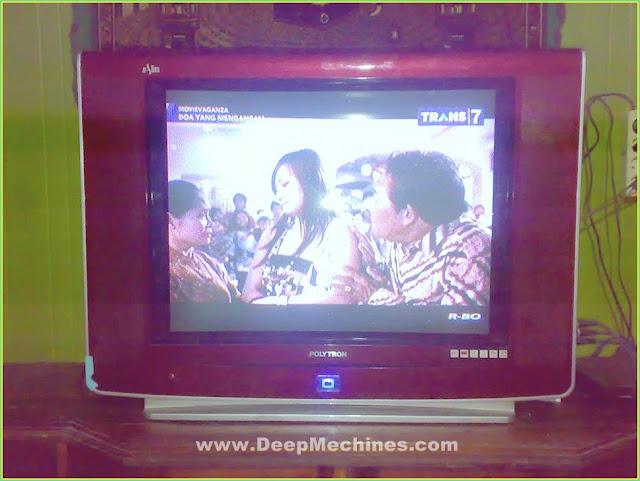 Perbaikan Kerusakan Mati Total/Gambar Melebar TV Polytron 29-Inch U-Slim