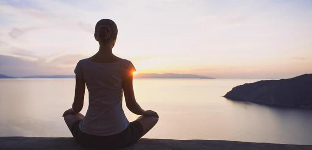Tập ngay 5 kỹ thuật yoga đơn giản để giảm lo lắng