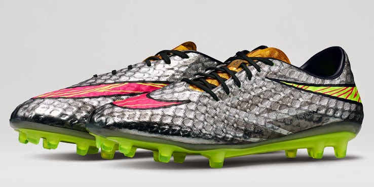 Clavijas Dirección Sábana  Wanted Shoe Cleats: Nike Hypervenom Phantom Boots Released - Liquid Diamond