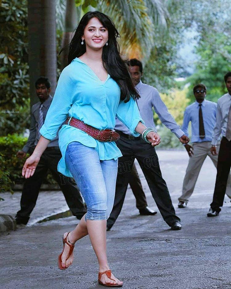 Anushka Shetty Hot And Sexy Images