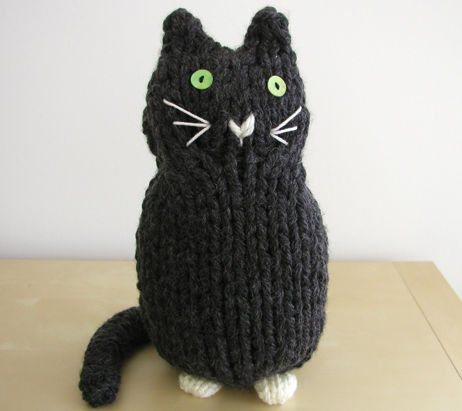 Knitting Kitten : Hand knitted things cats