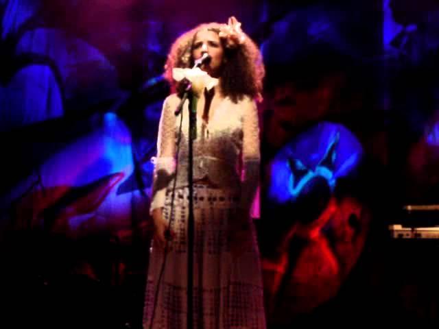 Playlist da Lulu: Nossa Canção - Vanessa da Mata, tema de Domingas e César em A Regra do Jogo - blog luluonthesky
