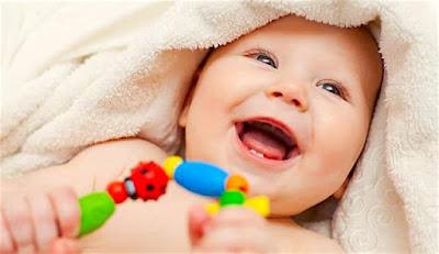 Teething in babies - Signs, Remedies, & Treatment