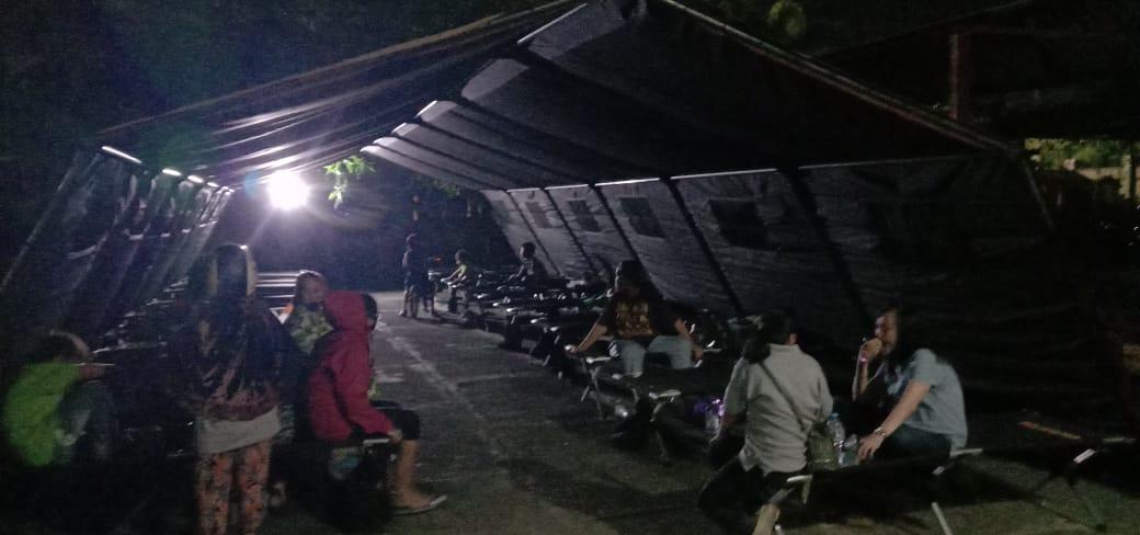 Makassar, Sulsel - Kebakaran yang terjadi di permukiman warga yang terletak tepat di depan Markas Komando Satuan Brimob Polda Sulsel di Jalan K.S Tubun, Kota Makassar mengakibatkan Tujuh unit rumah terbakar di lokasi tersebut. Senin (20/7/2020).