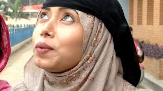 নির্যাতনের খবর জেনেও সৌদি আরবে যেতে আগ্রহী অনেক নারী: 'আমাদের স্বামীরা কি আমাদের অত্যাচার করে না?'