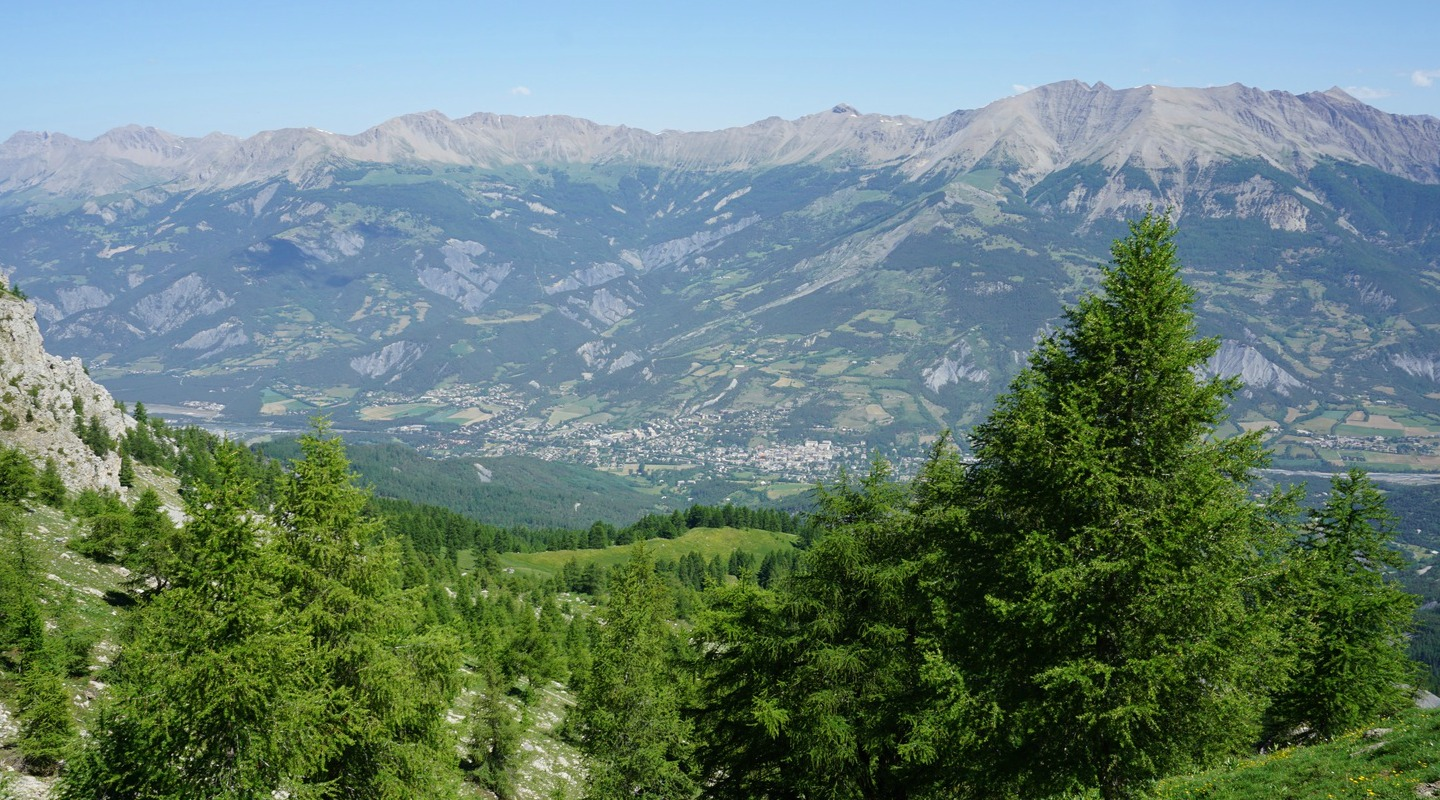 Barcelonette seen from trail to Chapeau de Gendarme