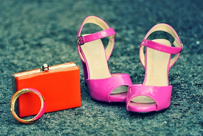 yesfor, orange clutch, hot pink heels, how to wear colours, colourblocking