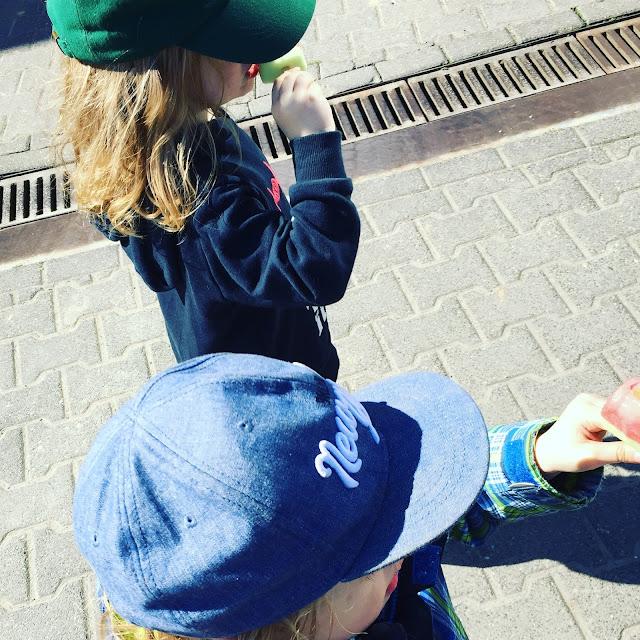 Der Zwuggel und der Wutz - Eisessen nach dem Kindergarten