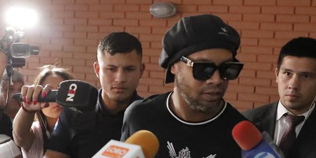 Ronaldinho Curhat Usai Keluar dari Penjara