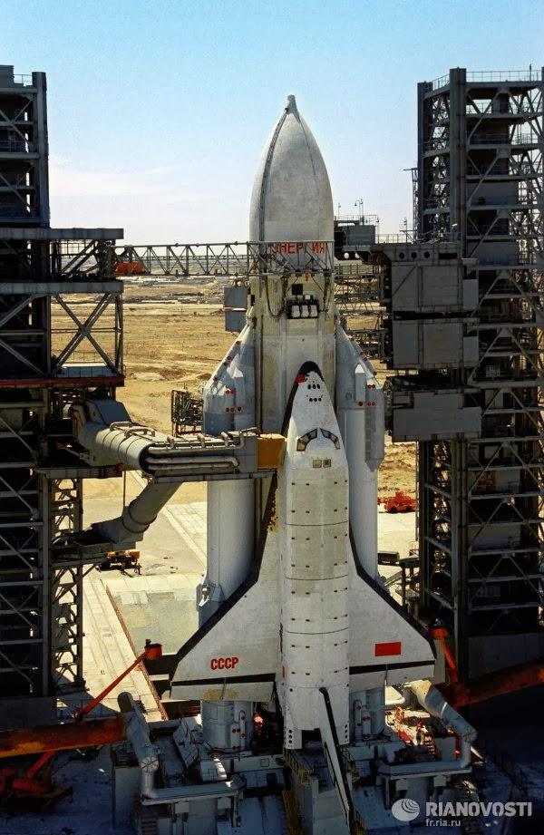 nasa shuttle development triumph and tragedy - 600×921