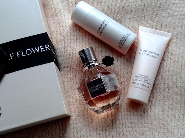 Makeup Beauty And Viktor & Rolf Flowerbomb Set