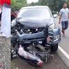 BREAKING NEWS: Pengendara Motor Tewas di Lapri. Bertabrakan dengan Mini Bus