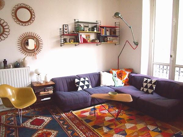 les moustachoux du nouveau dans notre salon. Black Bedroom Furniture Sets. Home Design Ideas
