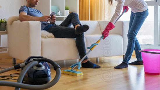 homem condenado compensar esposa tarefas domesticas