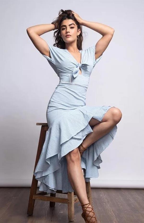 Kavya Thapar - wiki bio, films, ads, Instagram and photoshoots.