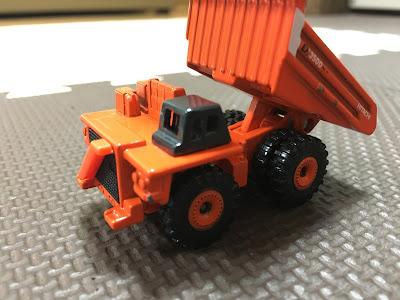 トミカhitachi dump truck eh3500acii