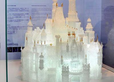 Niños rompe la escultura más grande del mundo-TuParadaDigital