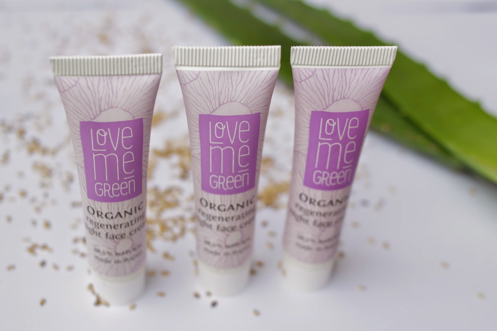 Love me Green Organic Regeneration Night face Cream 3 Proben je 15ml
