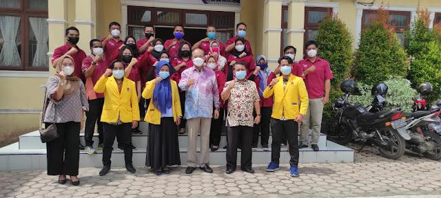 Dinas Sosial Kota Tebingtinggi Memberikan Bantuan Kepada 30 Penyandang Disabilitas dan 154 Piagam Penghargaan Graduasi PKH