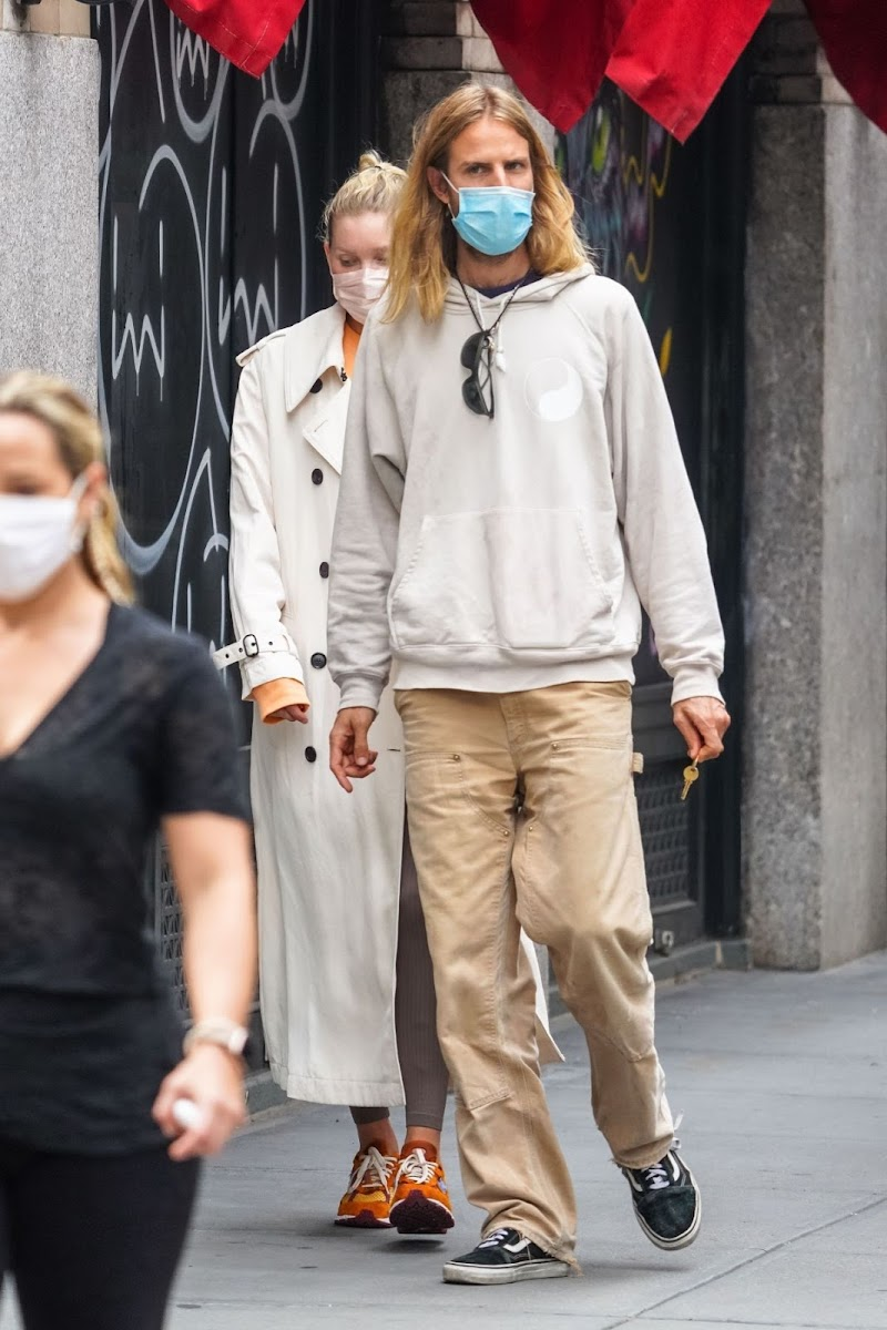 Elsa Hosk and Tom Daly Clicked Outside in New York 17 Sep- 2020
