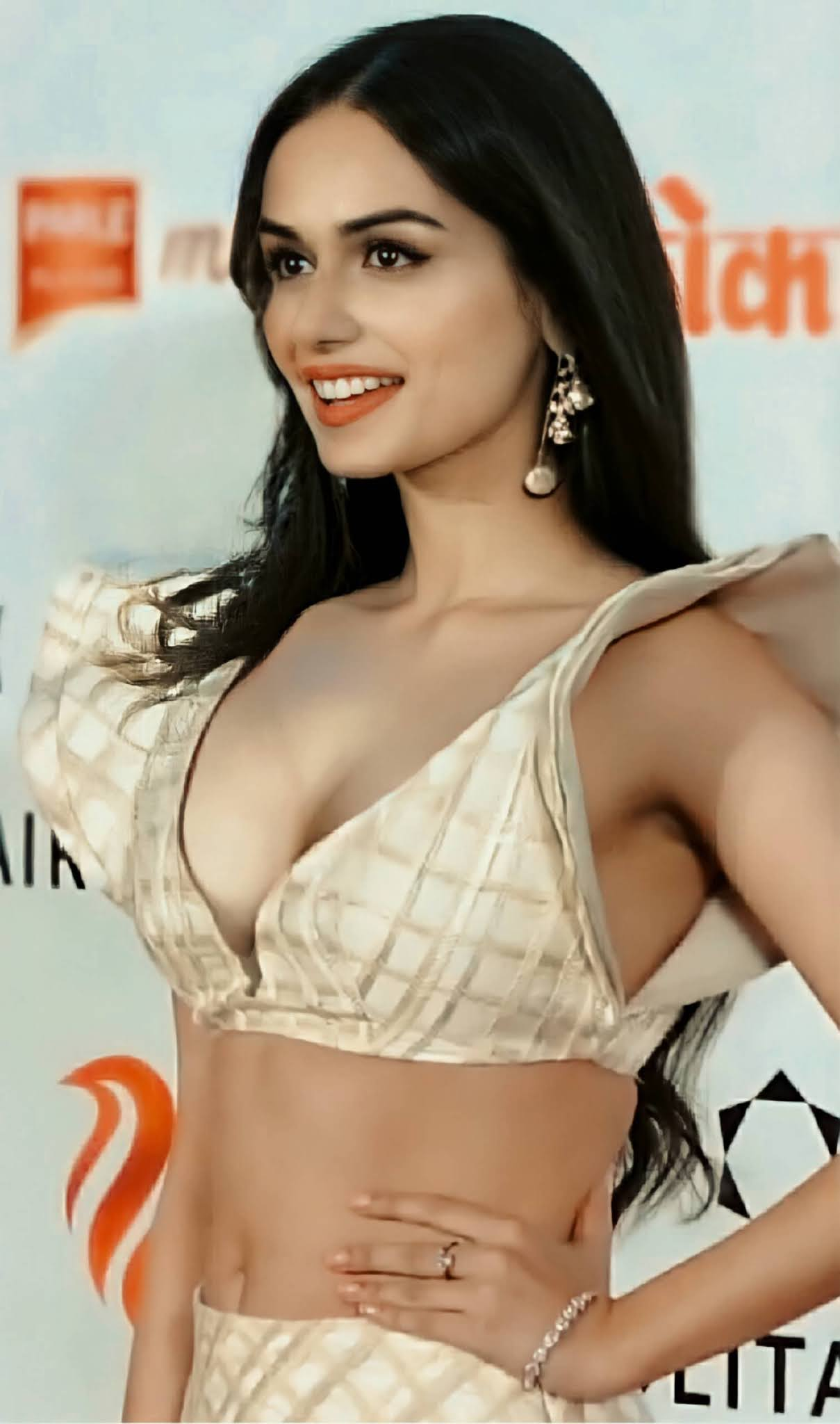 Manushi Chhillar Hot sexy Photos