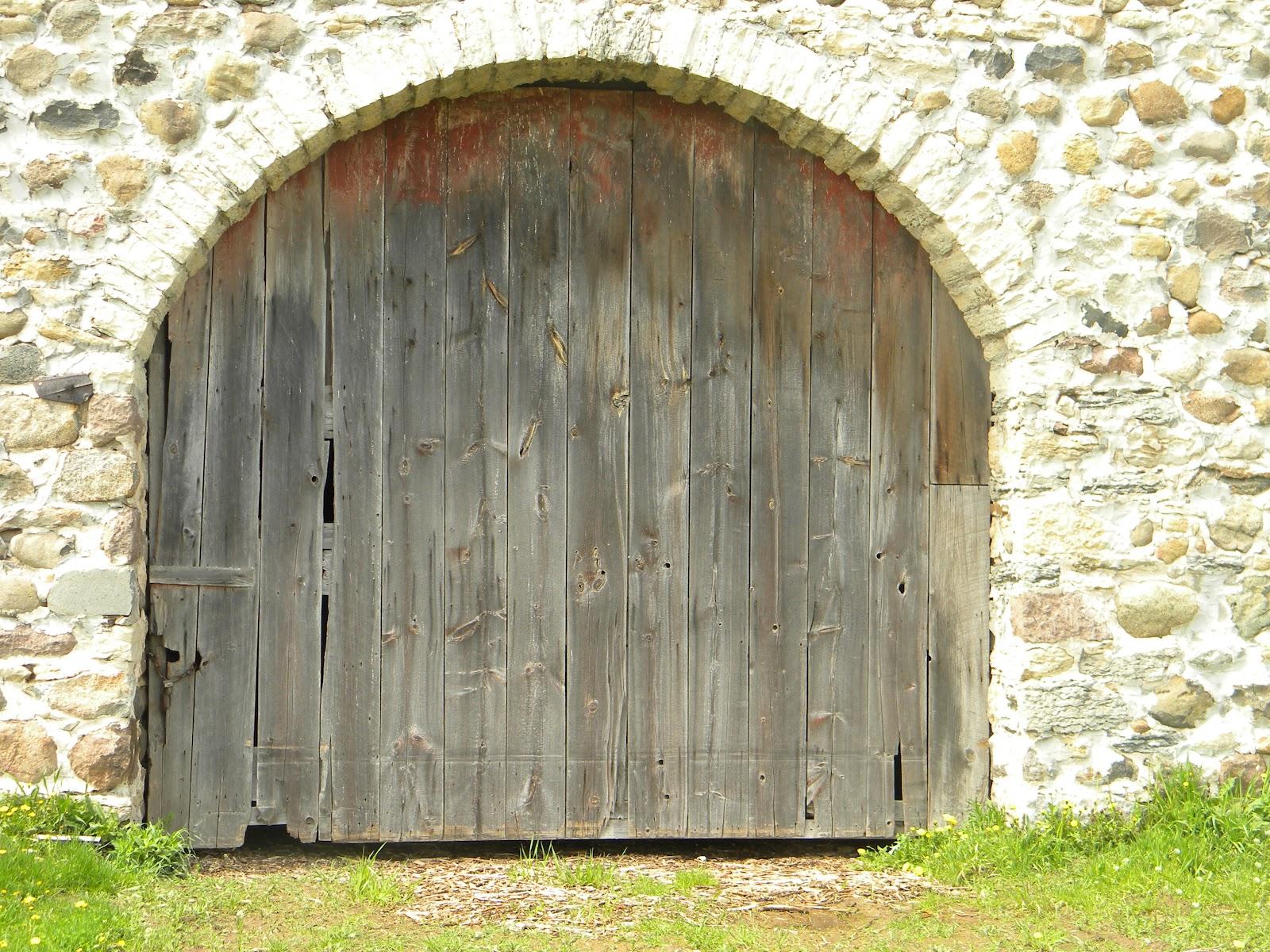 CreativeMeAndLife: Stone barn, old barns and a beautiful ...