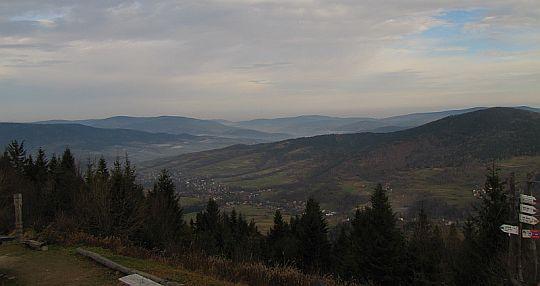 Dolina wsi Tenczyn.