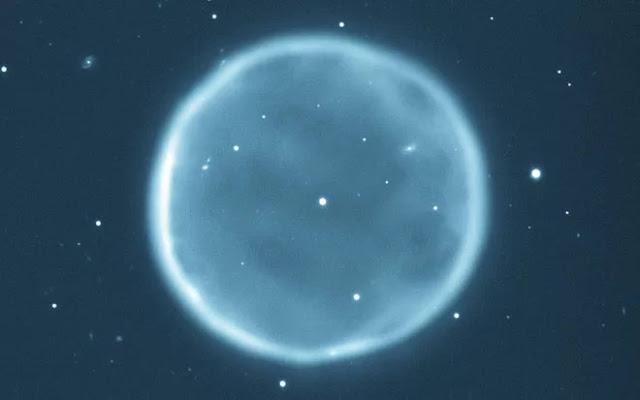 Abell 39 - como será o Sol daqui a 5 bilhões de anos