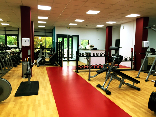 the machine fitness premium guyancourt visitez le club. Black Bedroom Furniture Sets. Home Design Ideas
